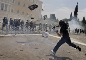 greece_riots_0629_10